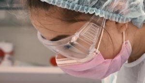 profilaktika-koronavirusa-v-stomatologii-Na-Melnichnoi (2)